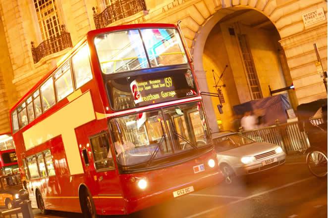 Bus nocturno en Londres