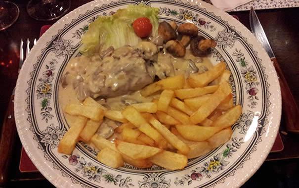 filete con salsa mignon y patatas