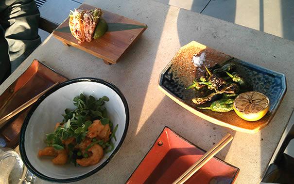 rock shrimp tempura, padrón peppers, crispy taquitos en SushiSamba London