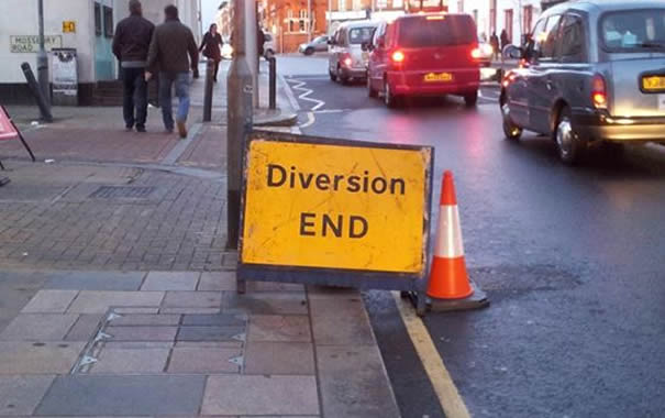 Señal de bus diversion end en Londres