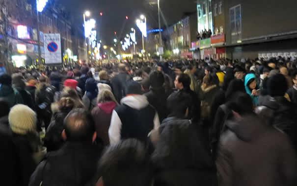 Colas fuego artificiales Londres fin de año