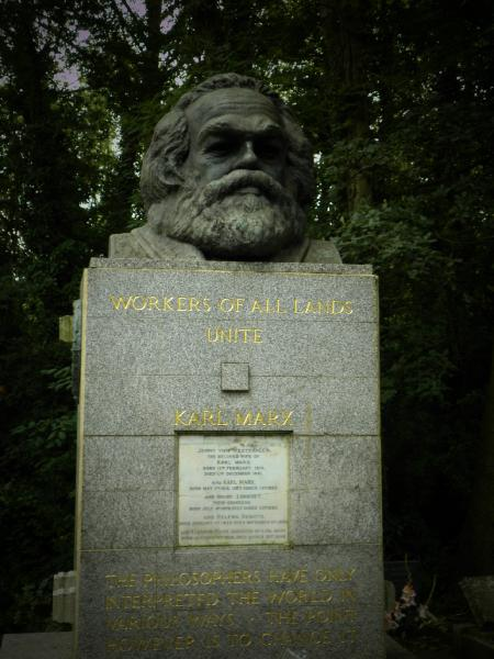 Karl Marx tomb - Highgate cemetery - London