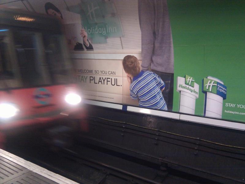 Publicidad peligrosa en DLR